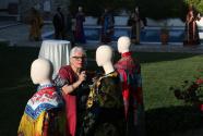 中国驻希腊大使馆向希方捐赠戏剧服饰