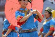 """广西宾阳:""""蓝衣壮""""同胞欢庆圩逢节"""