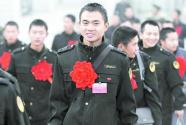 为战友服务:退役军人陈蕾自费建立网上就业平台