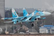 俄战机贴身拦截美侦察机 美军晒视频直呼:危险!