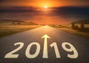 半月谈评论:2019,让脚步更有力量