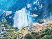 直升机助力打通大凉山最后通村路