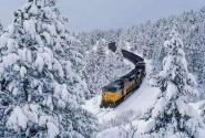"""一路温暖一路情——体验开往林海雪原的""""一元钱慢火车"""""""