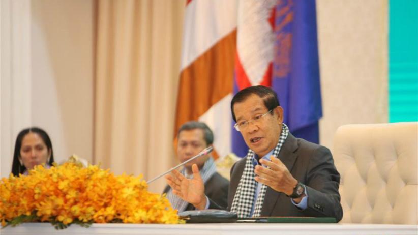 洪森:中国医疗专家组和物资对柬非常重要